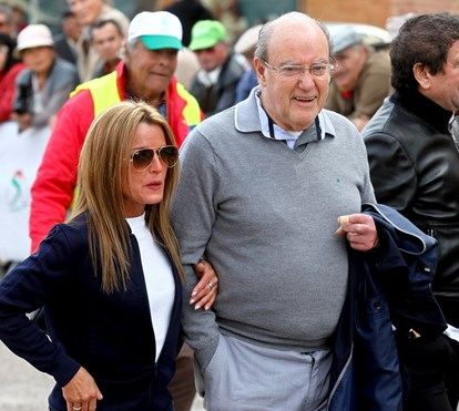 Pinto da Costa assume namorada no Algarve