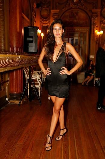 Isabela Valadeiro Deslumbrante Em Gala Da Face Models