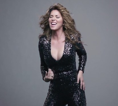 O novo trabalho de Shania Twain: 'Swingin' With My Eyes Closed'