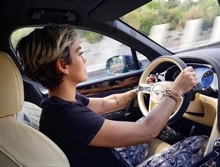 Estas são as fotos mais atrevidas de Carina Lima, a piloto mais ousada do mundo