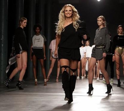 Cristina Ferreira estreou-se no Portugal Fashion sob o olhar de famosos f50b52a75b